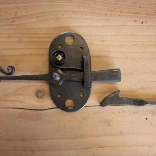 Loquet, fabrication