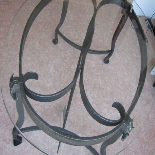 Table produit par un ferronnier